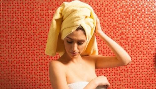 8 Secrets Of Women Who Always Smell Good   HuffPost Life
