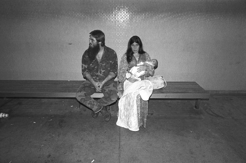 Photos of LAX From the 1980s Show Gritty Side of Travel