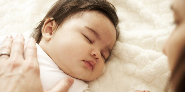 Many Parents Don't Place Their Babies To Sleep On Their Backs (STUDY) | HuffPost Life