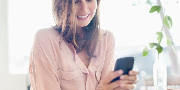 How Our Smartphones Are Affecting The Way We Shop | HuffPost Life
