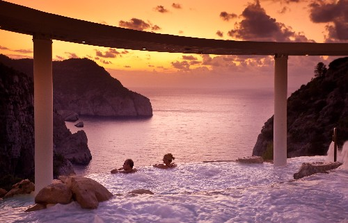 8 Infinity Pools You Have to See to Believe