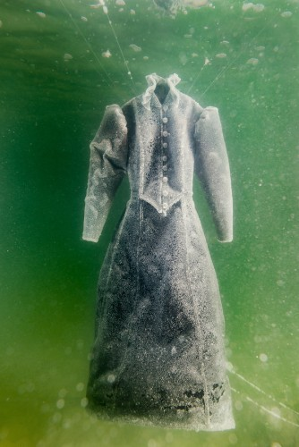An Artist Submerged A Dress In The Dead Sea For 2 Months And The Result Is Extraordinary