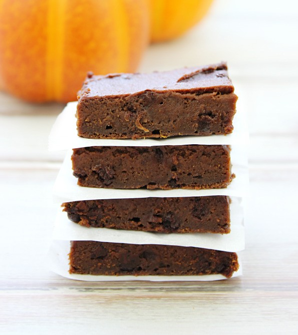 This 2-Ingredient Pumpkin Brownie Recipe Is Everything