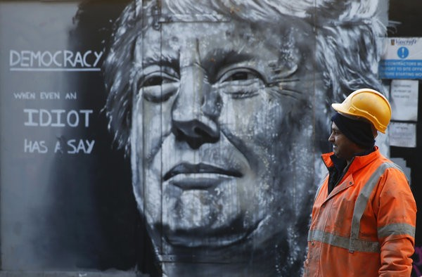Anti-Trump Street Art Reminds Us There Is Still Some Good In This World