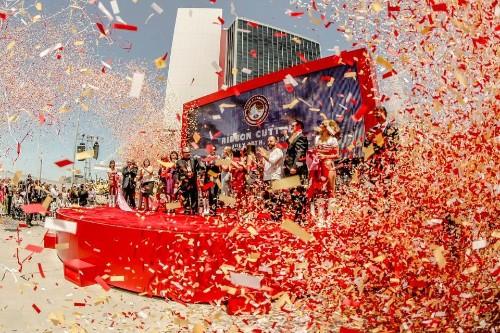 49ers Celebrate New Stadium In Style