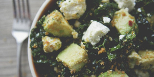 A Kitchy Kitchen Recipe: Spicy Kale Salad