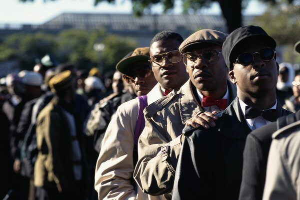 14 Striking Images From The Historic 1995 'Million Man March'