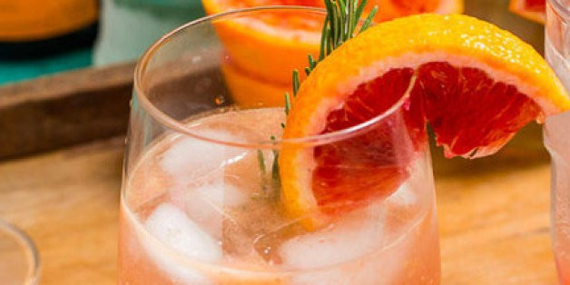 8 Spritzer Recipes for Hot Summer Days