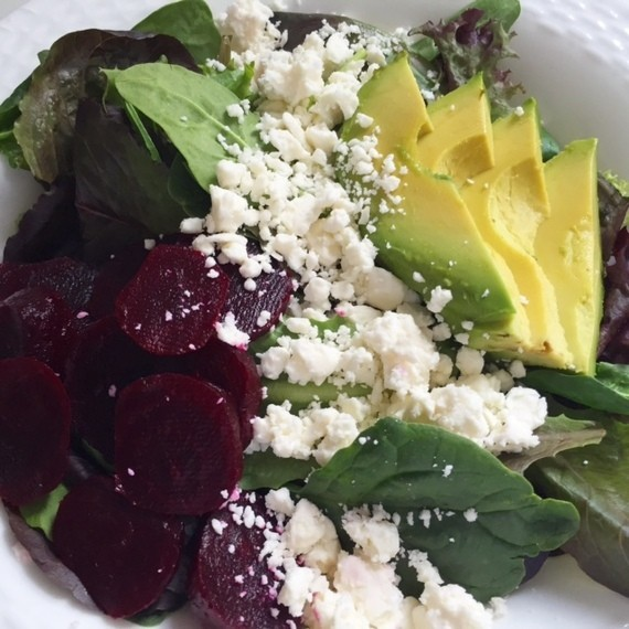 Beet & Avocado Summer Salad: An Easy 4-Ingredient Meal That Can Be Made in Less Than 5 Minutes