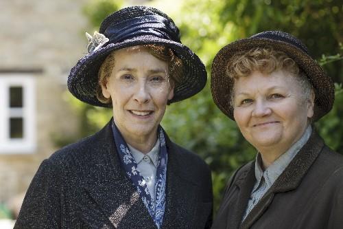 Downton Abbey Recap, Season 6, Episode 1: Estates Fall and the Old Folks Talk About, You Know, S-x