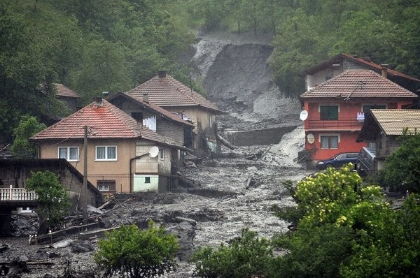 Serbia, Bosnia-Herzegovina Slammed By Worst Flooding In Over A Century