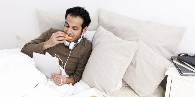 Eating at Night Disrupts Sleep | HuffPost Life