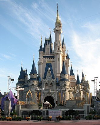 What Are the Major Differences Between the Disneyland and Disney World Experience?