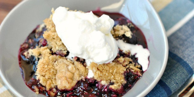 Blueberry Crisp for the Best Summer BBQ | HuffPost Life