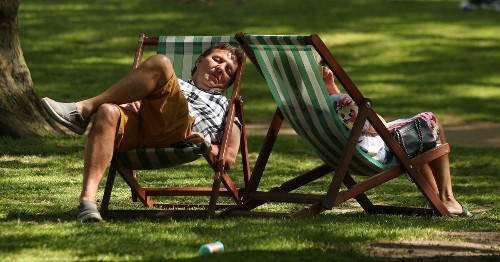 UK Weather: Nation To Basks In Balmy Heat As Millions Enjoy Easter Getaway