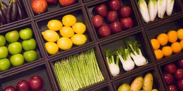 EWG's Dirty Dozen Report Lists The Most Pesticide-Heavy Fruits And Veggies Of 2015 | HuffPost Life