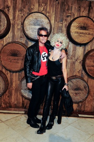 Lisa Rinna Apologizes After Harry Hamlin Wears Swastika Shirt On Halloween