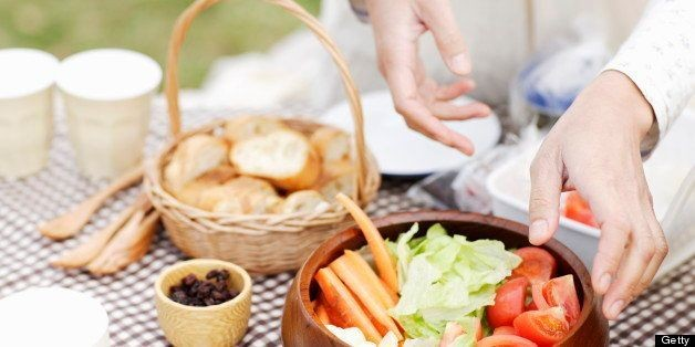 Healthy Picnic Recipes: Nutrition Experts Share Their Favorite Outdoor Eats | HuffPost Life