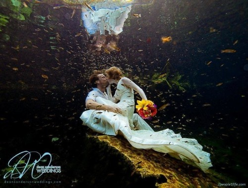 Couple Married Around The World: Alex Pelling And Lisa Gant Have 22 Weddings In 13 Countries (PHOTOS)