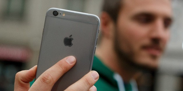 'Bendgate' Didn't Stop The Big iPhone 6 From Selling Like Crazy