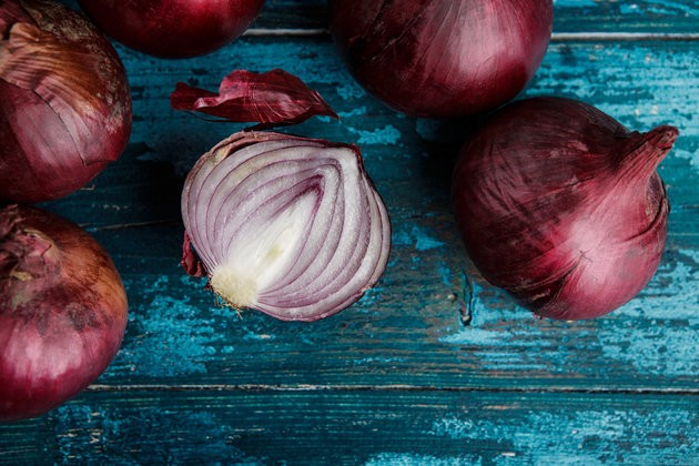 Red Onions Are Excellent At Killing Cancer, Study Finds