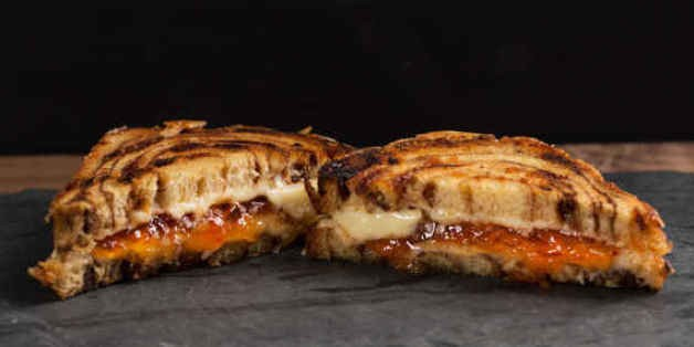 How to Make a Cinnamon Roll Grilled Cheese With Hot Pepper Jelly | HuffPost Life