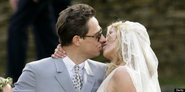 Awkward Wedding Kiss: The Most Uncomfortable Smooches Of All Time (PHOTOS) | HuffPost Life
