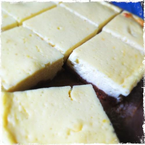 Easy Lemon Cheesecake Traybake Recipe