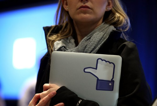 Please Don't Envy Me: The Facebook Status Everyone Should Read | HuffPost Life