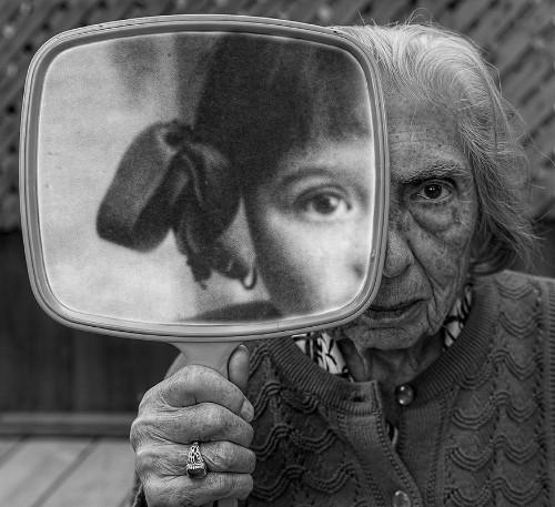 91歳、認知症の母を僕は撮り続ける。老いることは楽しいことだから