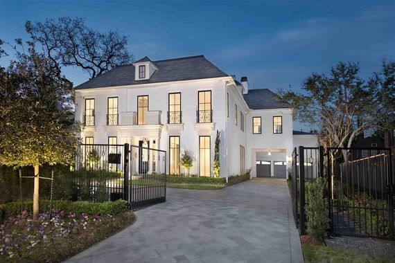 What Goes on Behind the Scenes of Selling Multi-Million Dollar Homes