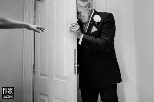 27 Award-Winning Wedding Photos That Are Too Stunning To Look Away From | HuffPost Life