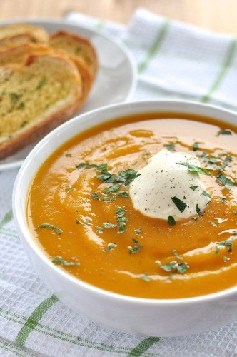 This 15-Minute Pumpkin Soup Recipe Is A Dinnertime Hero | HuffPost Life