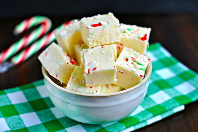 Make Homemade Candy Cane Fudge Like a Boss
