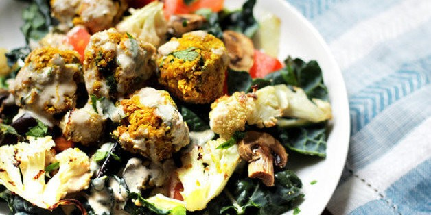 Healthy Falafel Salad With Roasted Vegetables | HuffPost Life