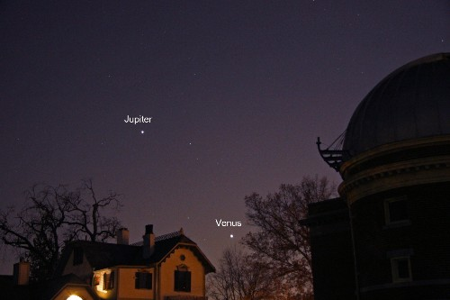 Brightest Planets Meet on Tuesday