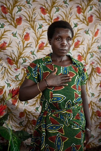 10 Photographs Capture The Critical Issues Women Face Around The World