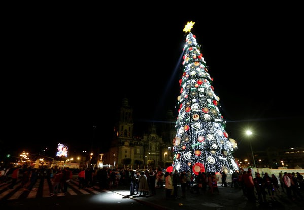 16 Beautiful Photos That Capture The Christmas Spirit In Latin America