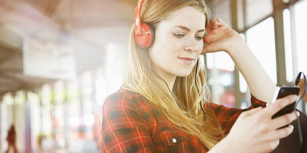 17 of the Best Podcasts for Entrepreneurs