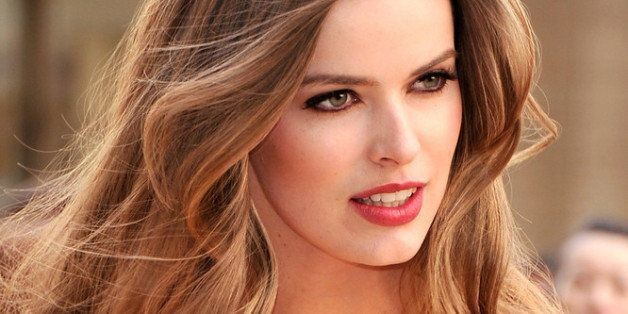 Robyn Lawley On Body-Shaming: 'Skinny' And 'Fat' Labels Are Holding Us Back | HuffPost Life