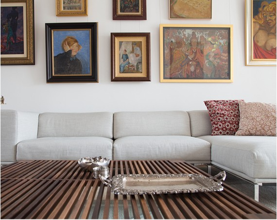 An Urban Apartment: 5 Tips for Organizing/Displaying Your Collections
