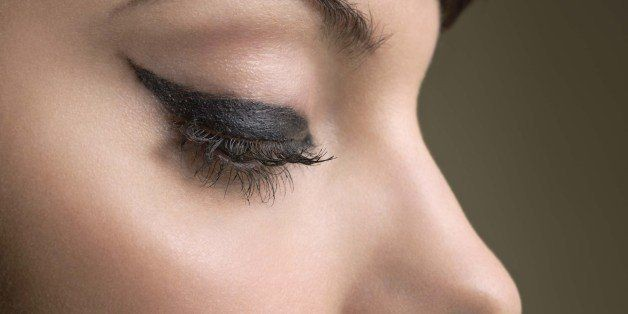 10 Steps to Create the Perfect Cat Eyeliner | HuffPost Life