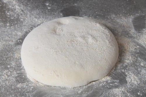 How to Hand Toss Your Own California-Style Pizza Dough