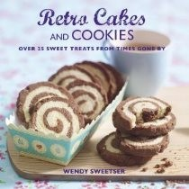 Review of 'Retro Cakes and Cookies' by Wendy Sweetser