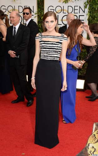 Allison Williams' Golden Globes Dress 2014 Is A Dark Alexander McQueen Pick (PHOTOS)