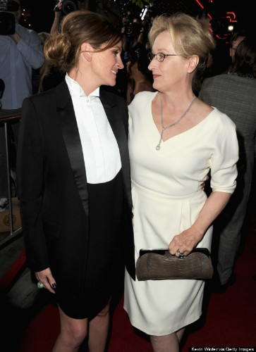 Here Are A Bunch Of Photos Of Meryl Streep And Julia Roberts Being BFFs