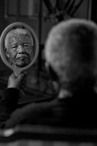 Nelson Mandela's Last Photo Shoot Provides Incredible Images Of Icon's Final Days