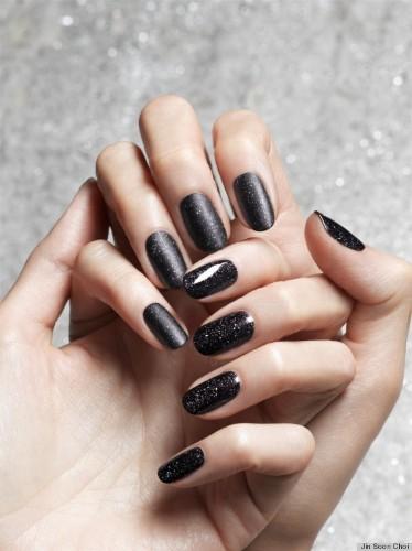Obsidian Nail Polish Is The New Black (PHOTOS)