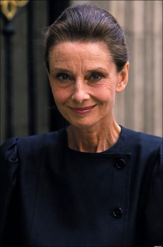 Audrey Hepburn Old Photo: Actress Looks Just As Beautiful