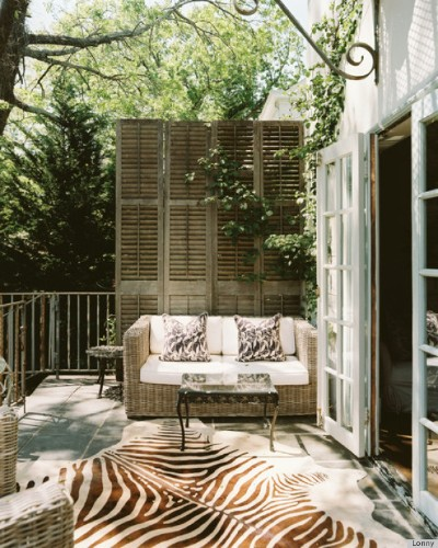 8 Summer Patio Ideas By Lonny That Will Make You Wish You Had A Backyard (PHOTOS)